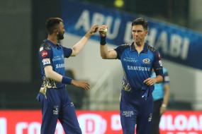 IPL Record: IPL में पावरप्ले में सबसे ज्यादा विकेट लेने वाले गेंदबाज बने बोल्ट