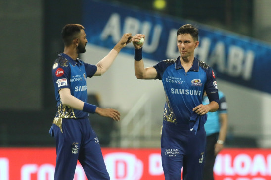 आईपीएल में पावरप्ले में सबसे ज्यादा विकेट लेने वाले गेंदबाज बने बाउल्ट