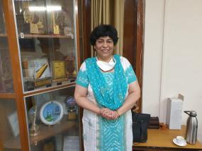 एक दिन की पीएम बनती तो बुर्का, हिजाब पर रोक लगा देती : रेशमा खान