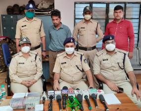 घर पर कारपेंटर का काम करने वाले ने चुराये थे 4 लाख10 हजार रूपये - आरोपी माल सहित गिरफ्तार