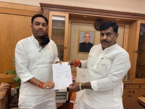 कांग्रेस को लगा बड़ा झटका, दमोह से कांग्रेस विधायक राहुल सिंह लोधी बीजेपी में हुए शामिल
