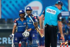 IPL 2020: बल्लेबाजों के फ्लॉप शो से लगातार चौथा मैच हारी दिल्ली, प्ले-ऑफ के लिए मुश्किलें बढ़ीं, मुंबई ने 9 विकेट से हराया
