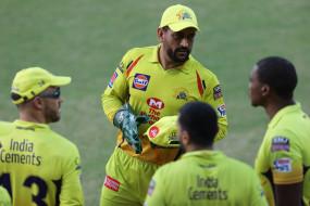 IPL-2020: धोनी की CSK को IPL में पहली बार मिली 10 विकेट से हार