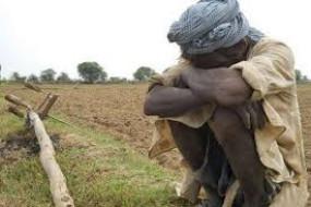 22 साल से मुआवजा मिलने की राह देख रहे किसान ने लगा ली फांसी