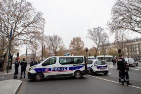 पेरिस के पास शिक्षक की हत्या की फ्रांस के मुसलमानों ने की निंदा