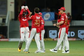 टी-20 में 1000 छक्के लगाने वाले बल्लेबाज बने गेल