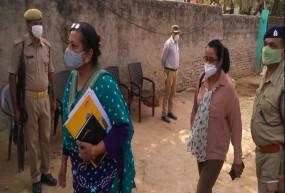 Hathras gang rape case : सीबीआई टीम ने पीड़िता की भाभी का बयान रिकॉर्ड किया, पांच घंटे तक चली पूछताछ