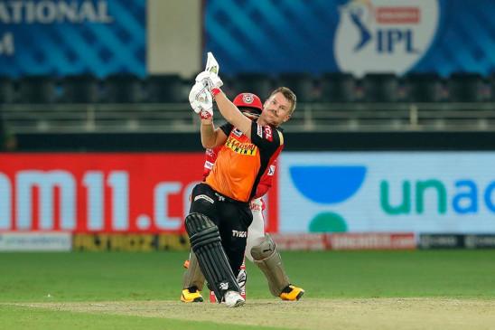 IPL -13: वॉर्नर IPL में 50 बार 50 प्लस रन बनाने वाले पहले खिलाड़ी बने