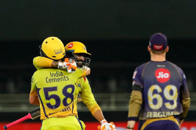 KKR vs CSK: जडेजा के छक्के से जीता चेन्नई, कोलकाता की प्ले-ऑफ की राह मुश्किल, मुंबई ने किया क्वालियफाई