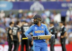 निदाहास फाइनल में अपने से पहले शंकर को बैटिंग के लिए भेजे जाने से गुस्से में थे कार्तिक
