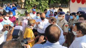 जयपुर: कोरोना के विरूद्ध जन आंदोलन सूरजपोल अनाज मण्डी और वीकेआई उद्योग एसोसिएशन भी कोरोना जागरूकता अभियान से जुड़े