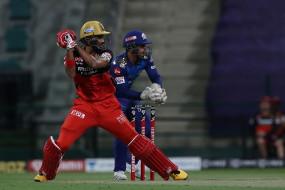 MI vs RCB: बुमराह ने बेंगलोर को दिया दूसरा झटका, विराट कोहली 9 रन बनाकर आउट, देवदत्त ने अपने पहले आईपीएल सीजन में ठोंका चौथा अर्धशतक