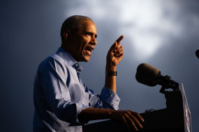 ओबामा ने कोविड-19 महामारी से उबरने के इंतजाम को लेकर ट्रंप पर साधा निशाना