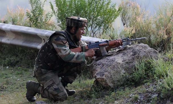 LOC: पुंछ में पाकिस्तान ने तोड़ा संघर्ष विराम, जवाबी कार्रवाई में तीन पाक सैनिक ढेर, दो जख्मी