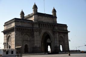 मुंबई, उपनगरों में बिजली गुल, जनजीवन प्रभावित