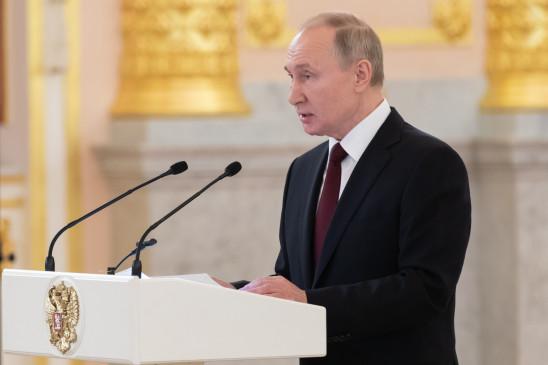 पुतिन ने नाटो से यूरोप में तनाव कम करने के लिए कहा