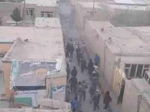 अफगानिस्तान में आत्मघाती हमला: पश्चिमी काबुल के कोचिंग सेंटर की ओर विस्फोटक लेकर बढ़ रहे हमलावरों को गार्डों ने रोका, विस्फोट में 18 लोगों की मौत, 57 घायल