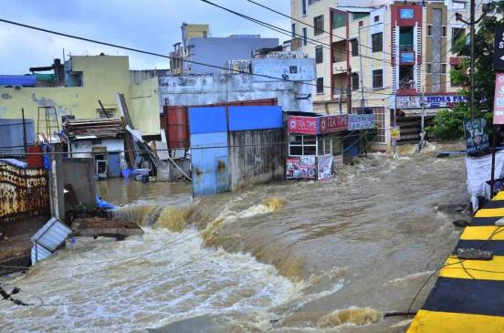 तेलंगाना : हैदराबाद की कई कॉलोनियों में भरा पानी