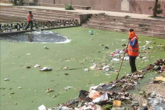 शहर के बीच स्थित मोहन राम तालाब में मिली युवक की लाश- दो दिन से लापता था युवक