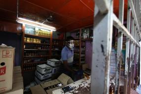 उप्र : शराब की दुकानें सुबह 10 बजे से रात 10 बजे तक खुलेंगी