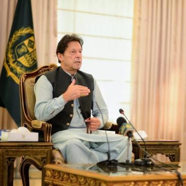 मुनाफाखोर माफियाओं से खुद निपटूंगा : इमरान खान