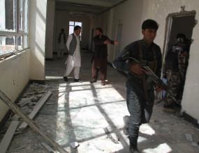 आत्मघाती कार बम विस्फोट में 30 अफगान पुलिस कर्मियों की मौत