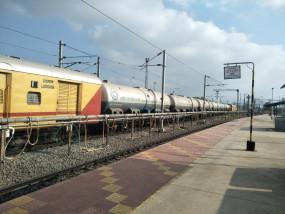 दक्षिण-मध्य रेलवे में और 4 विशेष ट्रेनें शामिल, लगेगा साधारण किराया