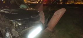 शराब के नशे में व्यक्ति ने सफदरजंग टूंब में घुसाई गाड़ी, मुख्य दरवाजा और साइन बोर्ड टूटा