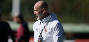 फुटबॉल: एसी मिलान के कोच स्टेफानो पियोली कोविड-19 पॉजिटिव
