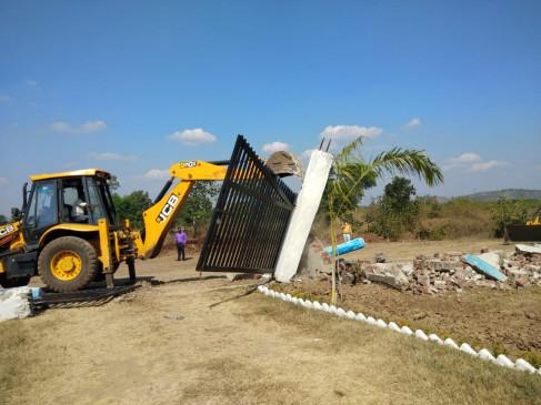 तिलवारा में चल रहे निर्माण पर प्रशासन ने लगाई रोक- अधिकारियों ने कहा कि जाँच पूरी होने तक न हो कोई काम
