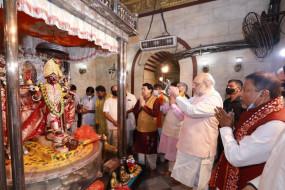 Amit Shah in Bengal: शाह के बंगाल मिशन का दूसरा दिन, सुबह दक्षिणेश्वर मंदिर में दर्शन.. फिर मतुआ समुदाय के घर भोजन