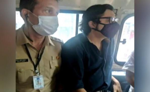 Arnab Goswami Bail: अर्नब गोस्वामी को बड़ा झटका, बॉम्बे हाईकोर्ट ने अंतरिम जमानत देने से इनकार किया