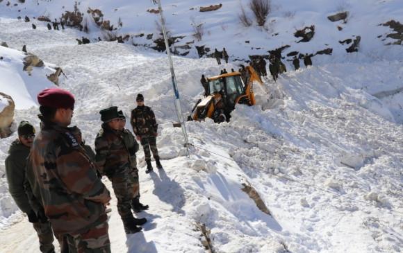 जम्मू-कश्मीर के कुपवाड़ा जिले में हिमस्खलन, 1 जवान शहीद