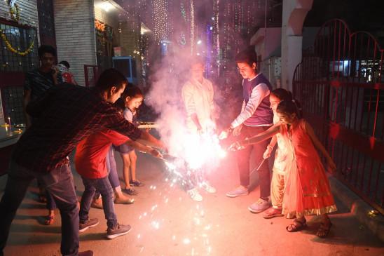 दीपावली पर पटाखों पर प्रतिबंध अनुचित : स्वदेशी जागरण मंच