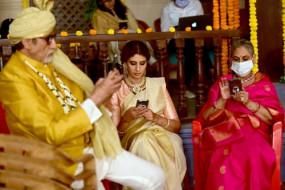 बिग बी ने प्तनी जया और बेटी श्वेता के साथ की शूटिंग