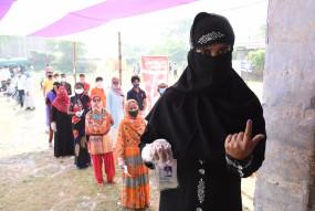 बिहार चुनाव LIVE: दूसरे चरण में 11 बजे तक 19 फीसदी मतदान