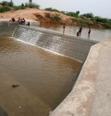चेक डैम से बदली बुंदेलखंड के किसानों की जिंदगी