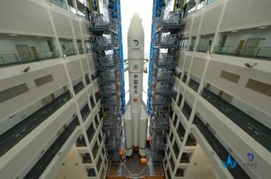 छांगचन नंबर पांच याओवू वाहक रॉकेट प्रक्षेपण केंद्र में भेजा गया