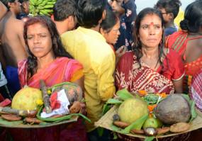 दिल्ली में छठ पूजा की छुट्टी घोषित, पर सार्वजनिक स्थानों पर आयोजन प्रतिबंधित