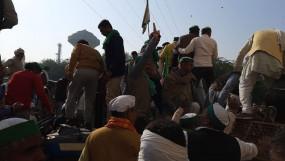 किसानों का आंदोलन चौथे दिन जारी, आगे की रणनीति को लेकर चल रही बैठक