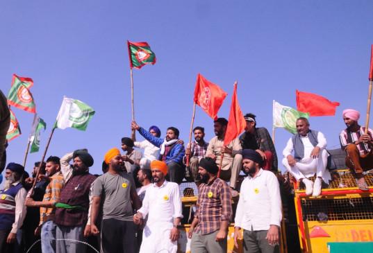 नये कृषि कानून के विरोध में किसानों का प्रदर्शन जारी, अपने रुख पर कायम सरकार