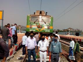 उम्मीदों को लगे पंख: गोंदिया-जबलपुर के बीच दौड़ी मालगाड़ी