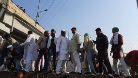 सरकार सत्ता के नशे में चूर, करोड़ों किसानों की नहीं सुन रही : कांग्रेस