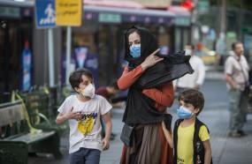 ईरान ने कहा अमेरिकी प्रतिबंधों से कोविड के खिलाफ लड़ाई हुई कमजोर