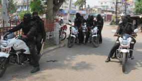 झारखंड : नक्सलियों ने एक की हत्या की, वाहन जलाया