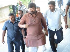 कर्नाटक: भाजपा नेता की हत्या के मामले में कर्नाटक के पूर्व मंत्री गिरफ्तार