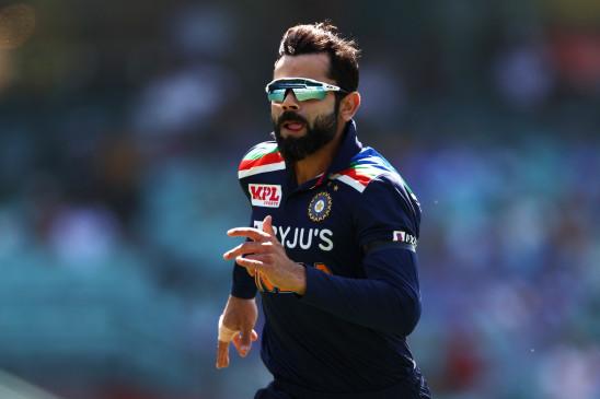 AUS VS IND : सिडनी वनडे में हार के बाद फील्डरों और गेंदबाजों पर बरसे कोहली