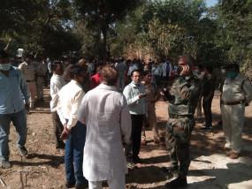 मप्र: बोरवेल से 40 घंटे बाद भी नहीं निकाला जा सका पांच साल का प्रहलाद, सेना ने 55 फीड गड्ढा खोदा