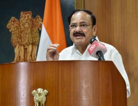 कोविड प्रोटोकॉल का पालन करने की अपील के साथ नायडू ने दी दिवाली की बधाई