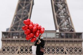लॉकडाउन के बाद फ्रांस में कोविड के नए मामलों में आई गिरावट